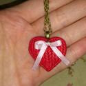 """""""Kötött"""" Szív- Medál, Ékszer, Medál, Nyaklánc, Fimo gyurmából készült ez a szív alakú medál, mely kötésmintát utánoz (3,5x3 cm). A bronz..., Meska"""