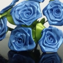 7 szálas kék rózsacsokor, Dekoráció, Otthon, lakberendezés, Csokor, Mindenmás, Virágkötés, A csokor 25mm széles, kék színű szatén szalagból készült rózsafejekből áll, amik átlag 40mm átmérőj..., Meska