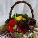 Őszi  selyem rózsák kosárban, Esküvő, Otthon, lakberendezés, Papírművészet, Virágkötés, Selyem szalagból készült rózsákat most kiskosárba tettem :)  A rózsák 20mm széles szalagból készüln..., Meska
