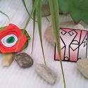 Nemzeti színű selyem rózsás kitűző, kokárda, Dekoráció, Kokárda, Virágkötés, Piros, fehér, zöld.. Selyem szalagból készült rózsa, levéllel.. kb. 5cm nagyságú , Meska