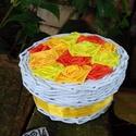 FEDBOX..rózsás fedeles doboz, Dekoráció, Otthon, lakberendezés, Fonás (csuhé, gyékény, stb.), Újrahasznosított alapanyagból készült termékek, 2:1 termék, a fedeles doboz és a rózsabox keresztezéséből jött létre :)  a doboz alapanyaga papír, ..., Meska