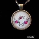 Nonfiguratív virágos nyaklánc , Ékszer, Nyaklánc, Ékszerkészítés, Üveglencsés technikával készült ezüst színű medál, mely nonfiguratív virágos képet rejt. A 25 mm át..., Meska