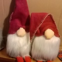Karácsonyi Manó (ülő), Dekoráció, Karácsonyi, adventi apróságok, Ünnepi dekoráció, Karácsonyi dekoráció, Kedves skandináv karácsonyi figura,varrva,ragasztva,megerősítő varrással. A sapkájától a ci..., Meska