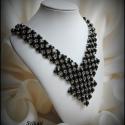 Fekete-ezüst csipke - gyöngyfűzött nyakék, Saját tervezésű, különleges formavilágú, fe...