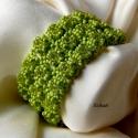 Zöld korall - elegáns gyöngyfűzött karkötő, Ékszer, óra, Karkötő, Saját tervezésű elegáns, egyedi, különleges formavilágú gyöngyfűzött karkötő. Készítéséhez átlátszó ..., Meska
