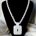 Elegáns fehér gyöngyfűzött nyaklánc medállal, Ékszer, óra, Esküvő, Nyaklánc, Esküvői ékszer, Elegáns, egyedi, saját tervezésű, különleges formavilágú, dekoratív gyöngyfűzött nyaklánc medállal. ..., Meska