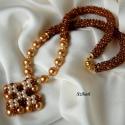 Elegáns arany gyöngyfűzött nyaklánc, Elegáns, egyedi, különleges formavilágú, deko...