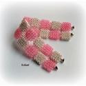 Pink gyöngyfűzött karkötő, Ékszer, óra, Karkötő, Egyedi, saját tervezésű, különleges formavilágú, dekoratív gyöngyfűzött karkötő.  Hossza: 18 cm Szél..., Meska