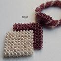 Beige - padlizsánlila gyöngyfűzött nyaklánc medállal, Ékszer, óra, Nyaklánc, Medál, Saját tervezésű, egyedi, különleges forma- és színvilágú gyöngyfűzött nyaklánc medállal.  A Cubic Ri..., Meska