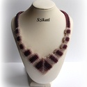 Elegáns beige - padlizsán-lila gyöngyfűzött nyakék, Ékszer, Nyaklánc, Saját tervezésű, elegáns, egyedi, különleges szín- és formavilágú, dekoratív gyöngyfűzött nyakék.  F..., Meska
