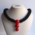 Piros - fekete gyöngyfűzött nyakék, Ékszer, Nyaklánc, Saját tervezésű, egyedi, különleges formavilágú, dekoratív gyöngyfűzött nyakék.  Hossza: kb. 42,5 cm..., Meska