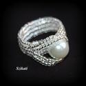 Elegáns fehér gyöngyfűzött koktélgyűrű teklával, Ékszer, Esküvő, Gyűrű, Esküvői ékszer, Elegáns, egyedi, saját tervezésű, különleges formavilágú gyöngyfűzött koktélgyűrű. Készítéséhez sely..., Meska