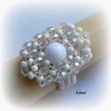 Elegáns fehér gyöngyfűzött koktélgyűrű, Ékszer, Esküvő, Gyűrű, Esküvői ékszer, Elegáns, egyedi, saját tervezésű, különleges formavilágú gyöngyfűzött koktélgyűrű.  Fém elemet nem t..., Meska