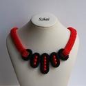 Piros - fekete gyöngyfűzött nyakék, Ékszer, Nyaklánc, Egyedi, saját tervezésű, különleges formavilágú, dekoratív gyöngyfűzött nyakék.  Fém alkatrészt nem ..., Meska