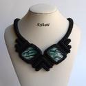 Elegáns fekete gyöngyfűzött nyakék menta-zöld kabosonnal, Ékszer, Nyaklánc, Saját tervezésű elegáns, egyedi, különleges szín- és formavilágú, dekoratív gyöngyfűzött nyakék.  Fé..., Meska