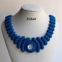 Elegáns kék gyöngyfűzött nyakék, Ékszer, Nyaklánc, Saját tervezésű elegáns, egyedi, különleges formavilágú, dekoratív gyöngyfűzött nyakék.  Fém elemet ..., Meska