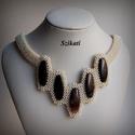 Elegáns gyöngyfűzött nyakék, Ékszer, Nyaklánc, Elegáns, egyedi, saját tervezésű, különleges formavilágú, dekoratív gyöngyfűzött nyakék.  Fém alkatr..., Meska