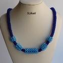Kék gyöngyfűzött nyaklánc, Ékszer, Nyaklánc, Egyedi, saját tervezésű, különleges forma- és színvilágú, dekoratív gyöngyfűzött nyaklánc.  Hossza: ..., Meska