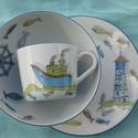Hajós-halas mintával díszített porcelán gyermek étkészlet, Konyhafelszerelés, Bögre, csésze, Festett tárgyak, Kerámia,  3 részből álló hajós mintával festett porcelán gyermek étkészlet. Kemény porcelán alapanyagra sajá..., Meska