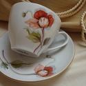 Pipacs virággal díszített teás-kávés porcelán csésze és alsó, Konyhafelszerelés, Bögre, csésze, Pipacsos mintával megfestett porcelán csésze alsóval, aranyozás 18 karátos arany. Kézzel fest..., Meska