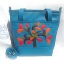 Kék színű női táska textilbőrből, életfa motívummal, Ruha, divat, cipő, Táska, Laptoptáska, Válltáska, oldaltáska, Kék színű textilbőrből készült női táska, pakolós méretben, a képeken látható kivitelben, tökéletese..., Meska