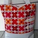 Virágfürdő..., Ki ne szeretne olyan táskába pakolni, amit nem l...