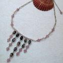Rózsaszín apró szivecskés nyaklánc, Ékszer, óra, Nyaklánc, Ékszerkészítés, Gyöngyfűzés, Ezt a nyakláncot halvány rózsaszín (szív alakú, lencse formájú) és rózsaszín-fekete átmenetes csava..., Meska