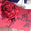 Love  mr es mrs, Esküvő, Otthon, lakberendezés, Lakástextil, Voros pamutvaszon parnszaten rozsa diszitessel egyedi parna 3d hatas szirmok festve vintage stilus E..., Meska