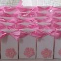 50 db esküvői köszönetajándék átadó dobozka, Naptár, képeslap, album, Esküvő, Ajándékkísérő, Meghívó, ültetőkártya, köszönőajándék, Papírművészet, 50 db aprócska, jelképes ajándék átadására alkalmas dobozka, esküvőn, keresztelőn, névvel ellátva ü..., Meska