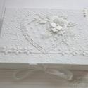 Ajándékátadó dobozka, Naptár, képeslap, album, Ajándékkísérő, Képeslap, levélpapír, Ezt a dobozkát egy üdvözlőlap mellé készítettem,  a lappal azonos díszítéssel rendelkezik...., Meska
