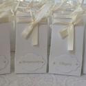 60 db Fehér és arany köszönetajándék dobozka - ültetőkártya egyben