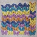 Vidám kertálló pillangók, Dekoráció, Ballagás, Dísz, 50 db dekorgumiból  készült légies pillangó a tavaszi szellőkhöz. Kertben, lakásban egyarán..., Meska