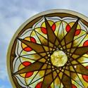 Föld-csillag üvegmandala, Dekoráció, Képzőművészet, Otthon, lakberendezés, Vegyes technika, Festészet, Festett tárgyak, Ez a mandala ablakba készült. Átlátszó festékkel, hogy a fény áthatoljon rajta. Nagyon szép és szív..., Meska