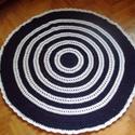 Mandala horgolt szőnyeg, Otthon, lakberendezés, Lakástextil, Szőnyeg, Akril fonálból készült horgolt mandala szőnyeg. Átmérője 130 cm. Sötétkék, fehér színek..., Meska
