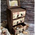 Ódon Rózsák komód - vintage ajándék / szekrény / ékszertartó / nászajándék / tároló íróasztalra / emlék, Otthon, lakberendezés, Ékszer, óra, Ékszertartó, Tárolóeszköz, Idézz BÁJOS RÉGMÚLT HANGULATOT az otthonodba a kézzel festett és dekorált szekrénykéimmel! ..., Meska