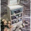 Törtfehér Levendula komód - vintage ajándék / szekrény / ékszertartó / nászajándék / tároló íróasztalra / emlék, Otthon, lakberendezés, Ékszer, óra, Ékszertartó, Tárolóeszköz, Idézz BÁJOS RÉGMÚLT HANGULATOT az otthonodba a kézzel festett és dekorált szekrénykéimmel! ..., Meska