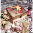 LIMITÁLT! Mézeskalács doboz - ajándék / teás doboz / teafilter tartó / ékszertartó / keksz / tárolódoboz / sütemény, Otthon, lakberendezés, Dekoráció, Karácsonyi, adventi apróságok, Ünnepi dekoráció, Festett tárgyak, Decoupage, transzfer és szalvétatechnika, Ezek az alkotások a téli időszak, Advent és Karácsony kuckós és meghitt hangulatában születtek meg,..., Meska