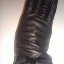 masnis, Ruha, divat, cipő, Kendő, sál, sapka, kesztyű, Kesztyű, Juhnappa bőrből készült női kesztyű. Fekete színű, szélén masni. Gyapjú bélelt. Méretet..., Meska