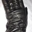 fekete bütykös, Ruha, divat, cipő, Kendő, sál, sapka, kesztyű, Kesztyű, Juhnappa bőrből készült női kesztyű. Fekete színű,felsőn díszítés. Gyapjú bélelt. Mér..., Meska