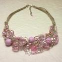 Romantikus rózsaszín - spárga nyaklánc, Ékszer, Nyaklánc, Egyedi nyaklánc, 11 szál spárgára (len- illetve kender cérnára) fűzve és csomózva. Áttetsző, matt és..., Meska