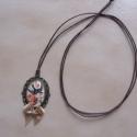 Kézműves Vintage Fecske mintás nyaklánc, Ékszer, Nyaklánc, Egyedi Fecske és rózsa mintás nyaklánc.  Saját készítésű, egyedileg összerakott. A kép mérete: 2,5x2..., Meska