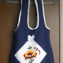 Kunhímzéses/Kunsági Mintás Válltáska, Táska, Magyar motívumokkal, Válltáska, oldaltáska, Kézműves táska.  A füle 70cm hosszú, patenttal záródik a táska. Magassága: 35cm, szélessége (középen..., Meska