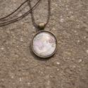 Vintage Földgömbös nyaklánc, Ékszer, óra, Nyaklánc, Egyedi mintás nyaklánc.  Saját készítésű, egyedileg összerakott. A kép mérete: 2,5x2,5cm. ..., Meska
