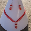 Piros Angyalkás szett - nyaklánc és fülbevaló, Ékszer, Nyaklánc, Fülbevaló, Ékszerszett, Egyedi Angyalkás szett.  Saját készítésű, egyedileg összerakott. A angyal mérete: 2,5cm. A nyaklánc ..., Meska