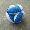 Kék Baba Labda, Baba-mama-gyerek, Játék, Baba játék, Kézműves Baba Labda.  A labda átmérője: 12cm. Kézzel és géppel varrt, semmilyen ártalmas anyagot nem..., Meska