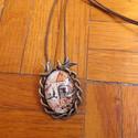 Vintage Fecske mintás nyaklánc, Ékszer, Nyaklánc, Egyedi Fecske és rózsa mintás nyaklánc.  Saját készítésű, egyedileg összerakott. A kép mérete: 2,5x2..., Meska