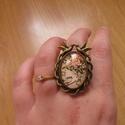 Fecske mintás ovális, állítható gyűrű, Ékszer, Gyűrű, Vintage Fecskés állítható méretű gyűrű.  Saját készítésű, egyedileg összerakott. A minta egyedi szám..., Meska