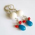 Franciásan :) korall - jáde fülbevaló, Ékszer, Fülbevaló, 12 mm nagyságú fehér virágkorallból, piros korall rondellből és nagyon szép kék színű jádéból készül..., Meska