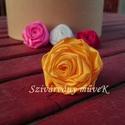 Csuda rózsa bross - napsárga, Ékszer, óra, Bross, kitűző, Ékszerkészítés, Selyemszaténból készült, egyedi, napsárga színű Csuda-rózsa bross.  Átmérője 5 centiméter.  A harma..., Meska