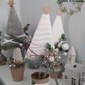 Fenyőfa cserépben dísz, Karácsony & Mikulás, Karácsonyi dekoráció, Mindenmás, Fenyő formájú álló díszeket készítettem filc és kötott anyaggal bevont hungarocell háromszögekből. ..., Meska